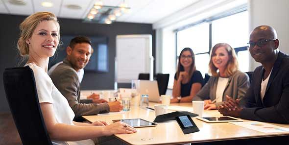 Một cuộc họp sử dụng điện thoại hội nghị