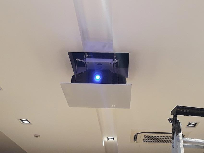 Logico triển khai cung cấp, lắp đặt máy chiếu tại trường Đại học Khoa học Tự nhiên