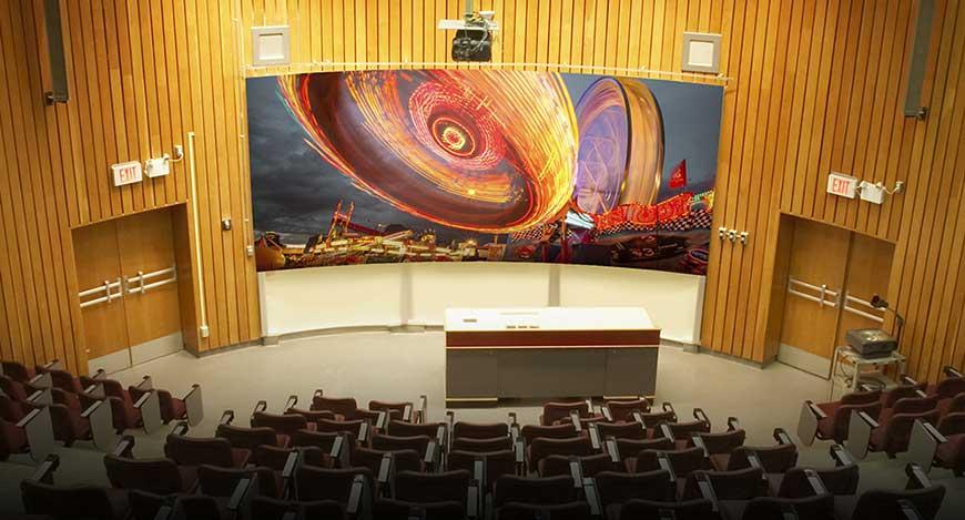 Máy chiếu Laser sử dụng trong hội trường lớn