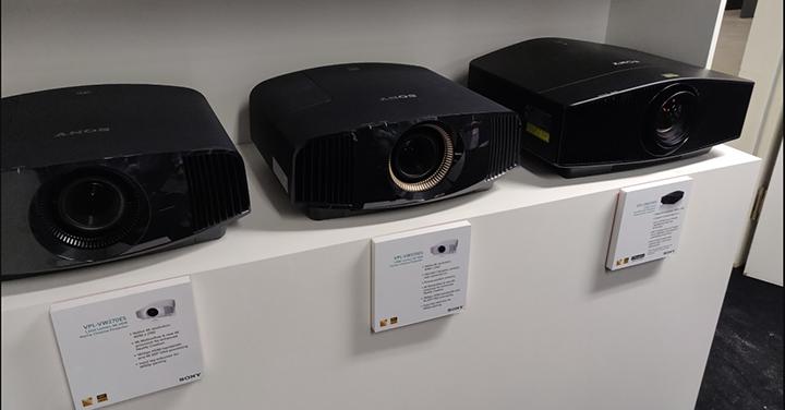 Sony cung cấp máy chiếu đa dạng giúp khách hàng chọn được sản phẩm phù hợp