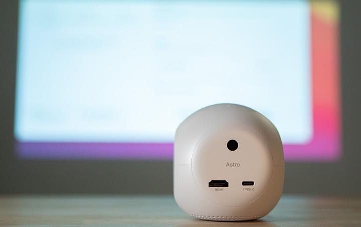 Kết nối thuận tiện và đơn giản với các chuẩn phổ biến như HDMI, USB Type C, Bluetooth