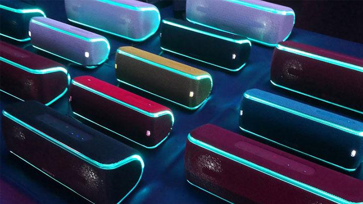 Tính năng Wireless Party Chain cho phép đồng bộ âm thanh với 100 loa khác