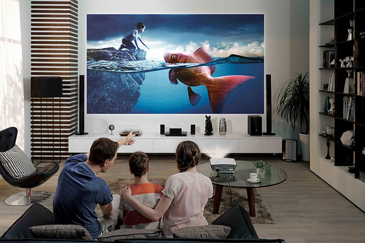 Máy chiếu giúp việc xem phim, giải trí tại nhà chưa bao giờ đơn giản đến vậy