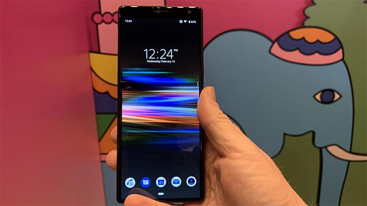 Xperia 1 có màn hình kích thước 6.5 inch hỗ trợ công nghệ hiển thị BRAVIA X1