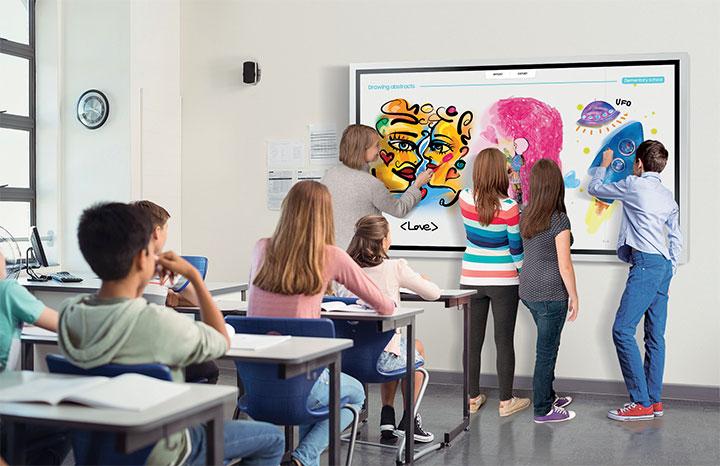 Samsung Flip với những tính năng đột phá giúp các học sinh trong lớp học tương tác với nhau