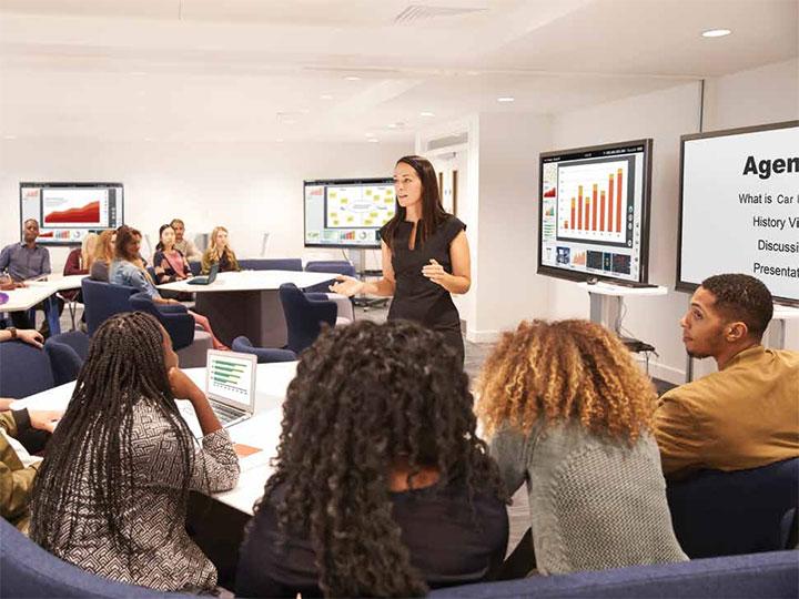 Tại Logico, chúng tôi có những ưu đãi rất đặc biệt khi khách hàng muốn thuê màn hình tương tác để ứng dụng trong lĩnh vực giáo dục
