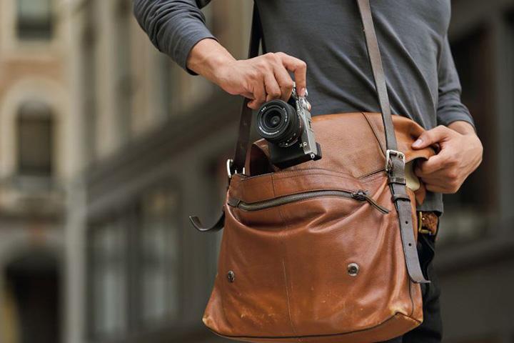 Máy ảnh Sony Alpha A7C sở hữu thiết kế nhỏ gọn