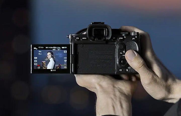 Sony A7S III có khả năng quay phim 4K với tỉ lệ lấy mẫu màu 4:2:2