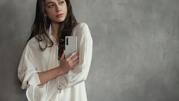 Thiết kế OmniBalance truyền thống của dòng Sony Xperia
