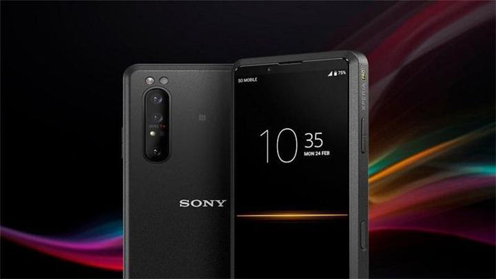 Sony Xperia Pro chính thức lệ kệ với giá 2500 USD