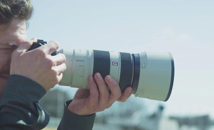 Ống len Tele siêu zoom Full Frame chống rung Sony G Master 100-400mm F4.5-5.6