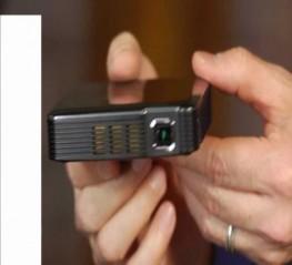 4 Máy chiếu MINI tốt nhất cho điện thoại SmartPhone